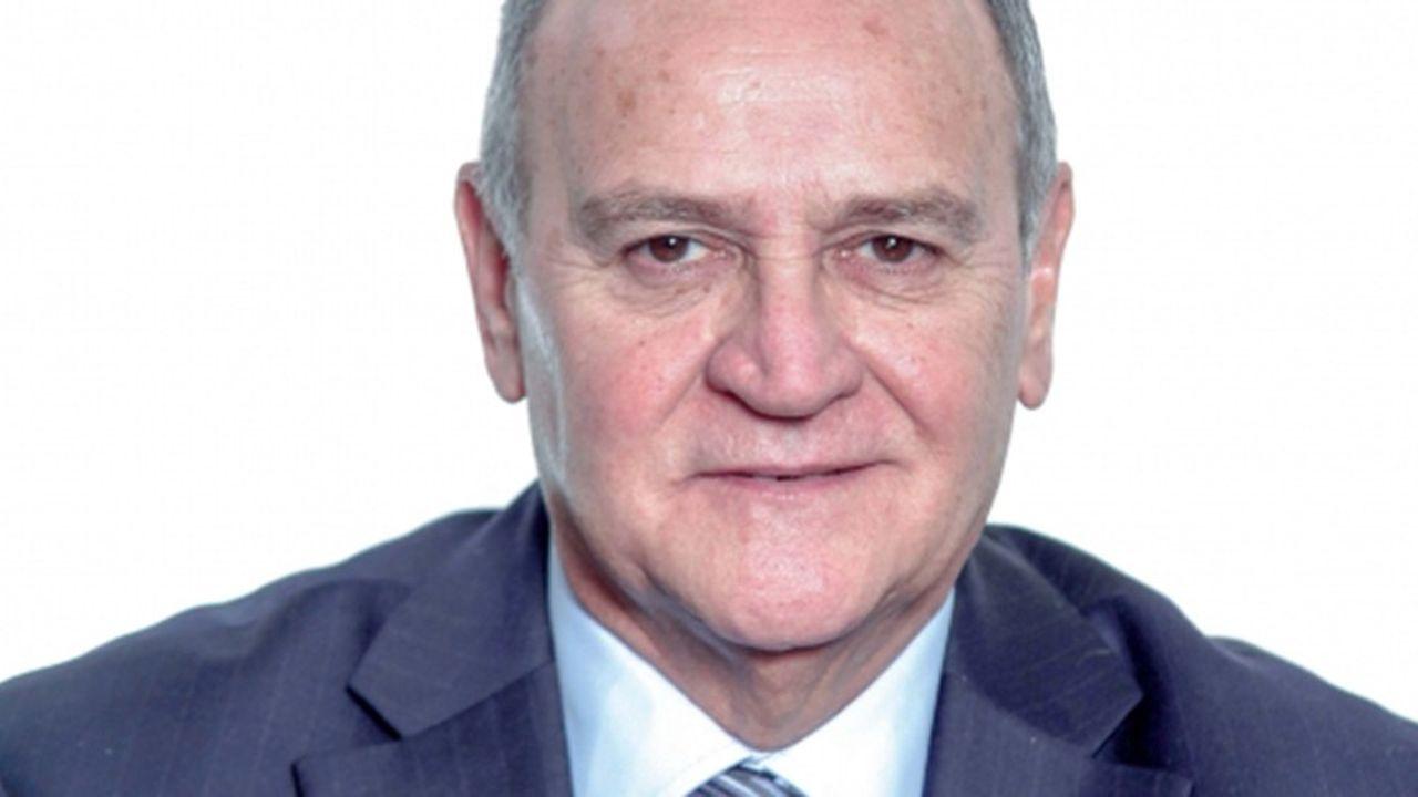 Bernard Angels était maire depuis 1977.