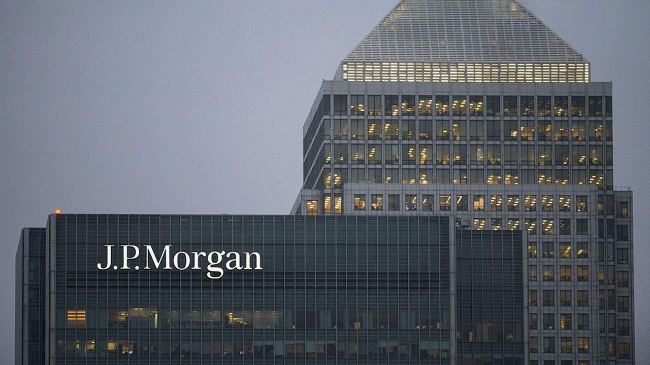 La banque américaine JP Morgan se maintient en tête du classement des banques d'affaires en France, avec 54,7 milliards de dollars de transactions conseillées, selon Thomson Reuters.