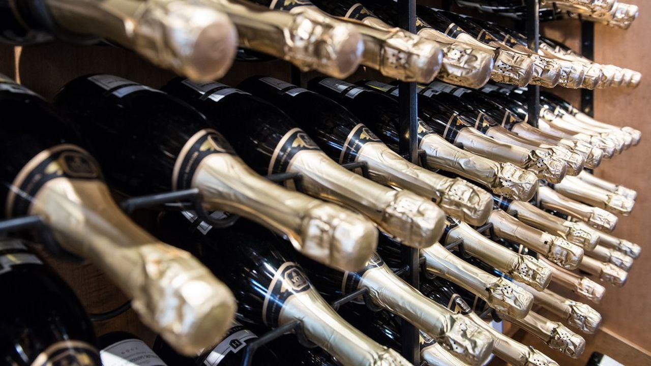 Les maisons de champagne Mumm et Perrier-Jouët veulent inciterles visiteurs à découvrir l'histoire et les richesses de leurs coteaux.
