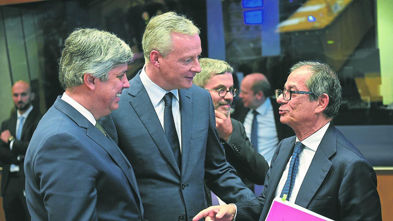 Mario Centeno, Bruno Le Maire et Giovanni Tria, respectivement président de l'Eurogroupe et ministres français et italien des Finances.