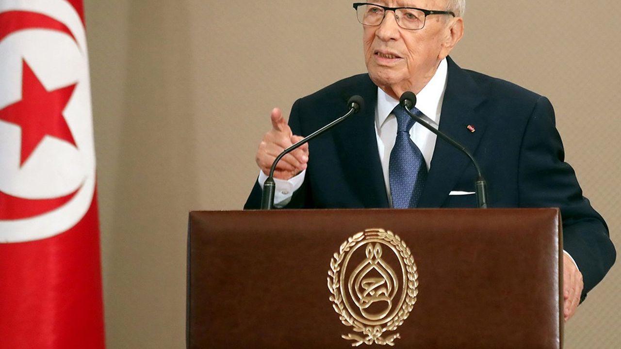 2210245_leurope-pousse-la-tunisie-a-relancer-son-processus-democratique-web-tete-0302341605726.jpg