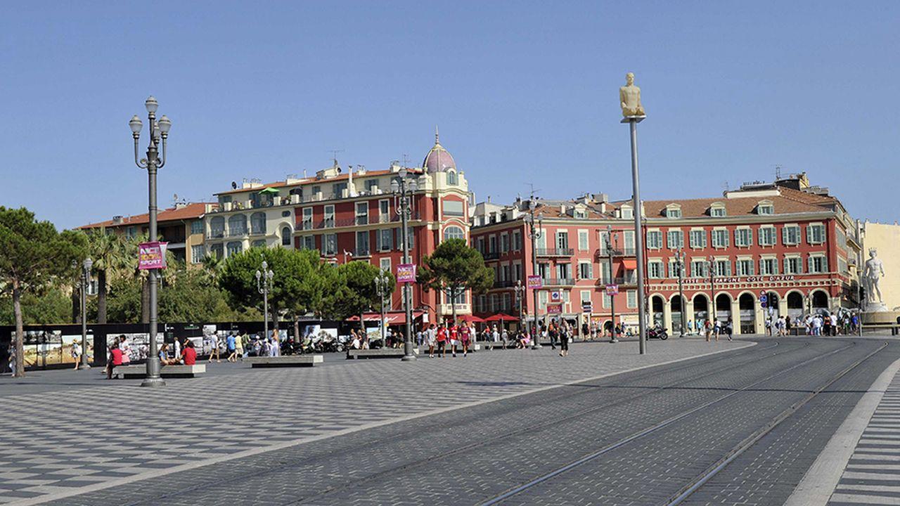 Département-métropole : la France périphérique à l'épreuve des fusions