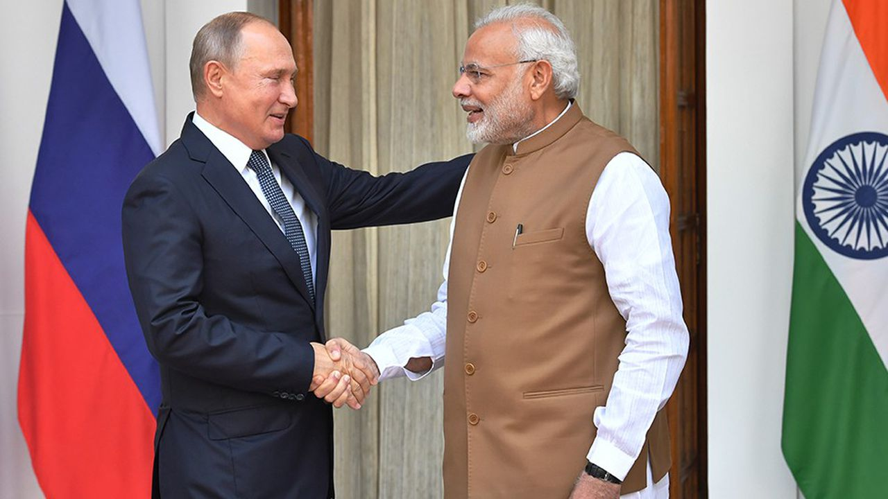 Le premier ministre indien Narendra Modi a accueilli à New Delhi Vladimir Poutine le président russe pour une visite de deux jours