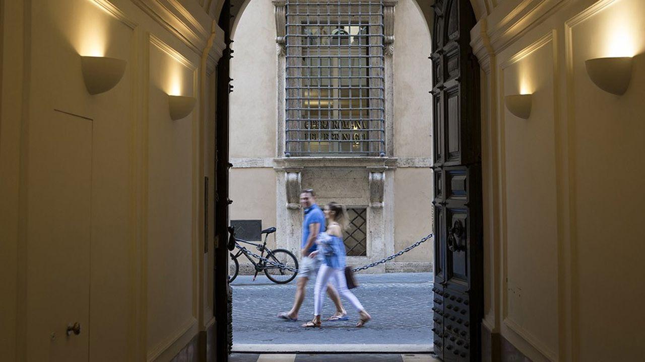 2211801_immobilier-letat-italien-pourrait-vendre-des-millions-de-metres-carres-web-tete-0302360673886.jpg