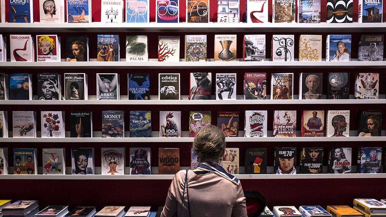 2212424_ambiance-survoltee-pour-la-70e-edition-de-la-foire-du-livre-de-francfort-web-tete-0302377556657.jpg