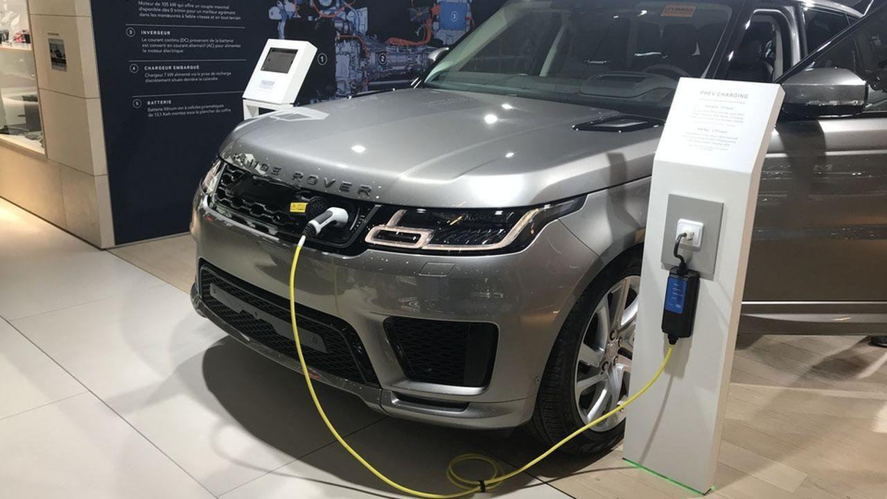 Le SUV se met à l'hybride rechargeable