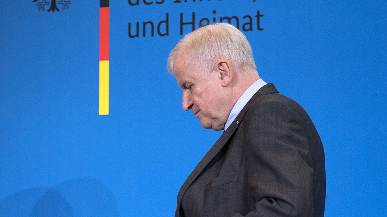 Horst Seehofer, le ministre de l'Intérieur CSU aujourd'hui en difficulté en Bavière, a fait de la cyber sécurité l'un de ses grands chevaux de bataille alors que les attaques informatiques en Allemagne ne cessent de se multiplier.