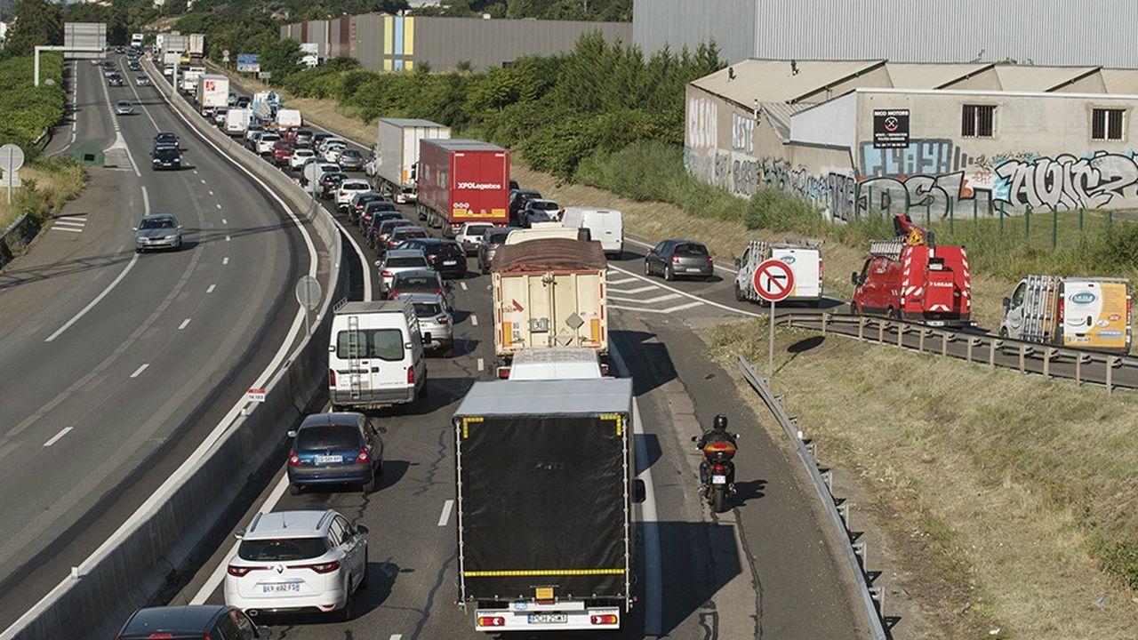 L'A47 entre Lyon et Saint-Etienne est réputée dangereuse et sous-dimensionnée.