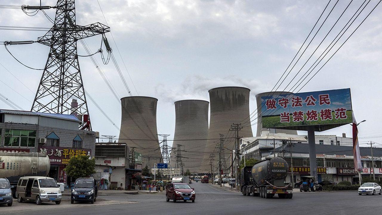 En 2017, la Chine était parvenue à contenir la hausse de ses émissions de CO2 de 1,7% alors que son économie affichait 7% de croissance.La construction effrénée de centrales à charbon risque de l'empêcher de faire mieux cette année.