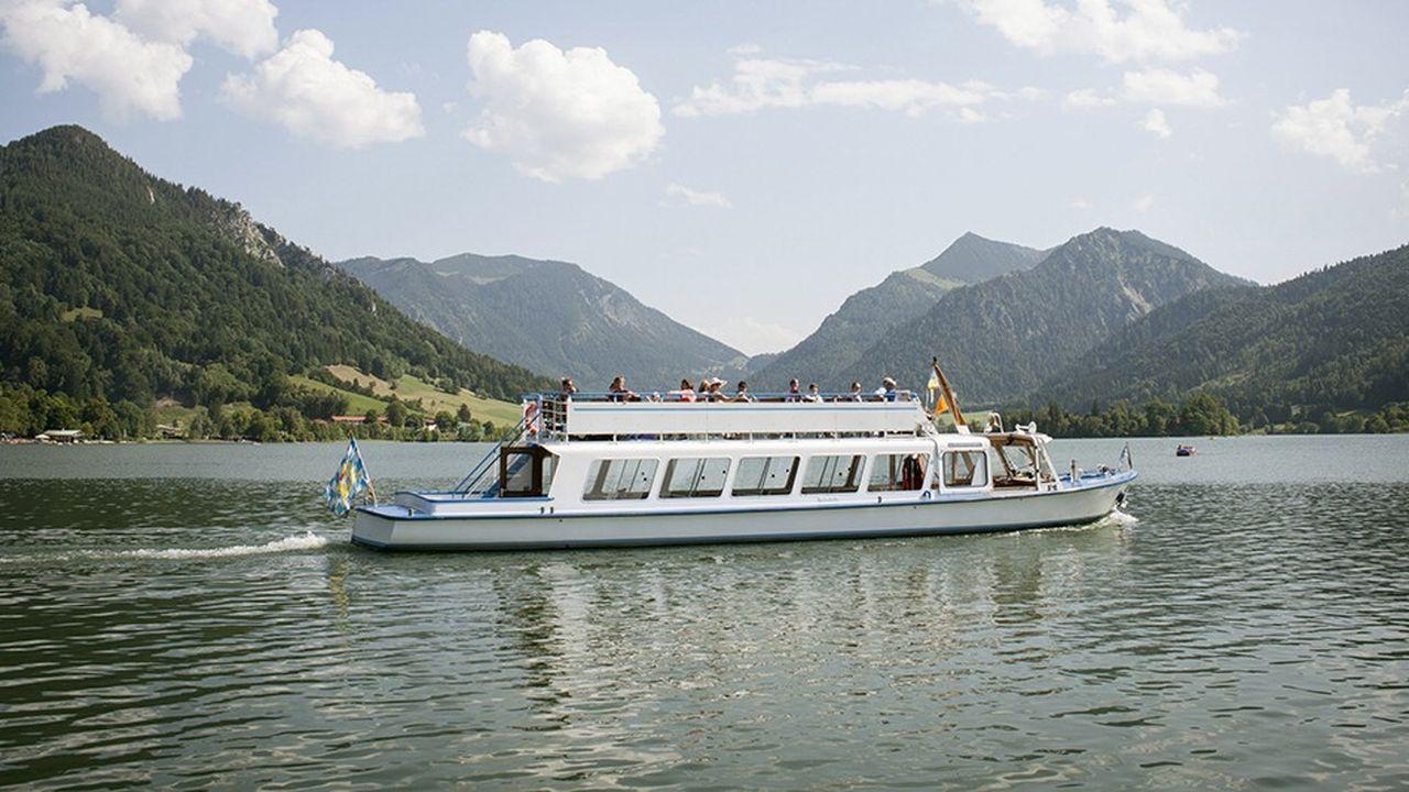Le constructeur allemand se concentre sur le milieu de gamme et vend ses bateaux à voile ou à moteur en moyenne 250.000 à 300.000euros.