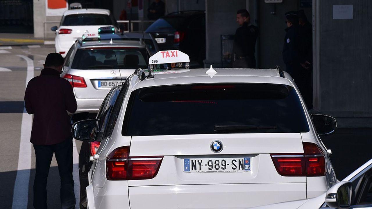 Les taxis représentent 40% des 4,6milliards d'euros que la Sécu a consacré en 2017 au transport sanitaire.