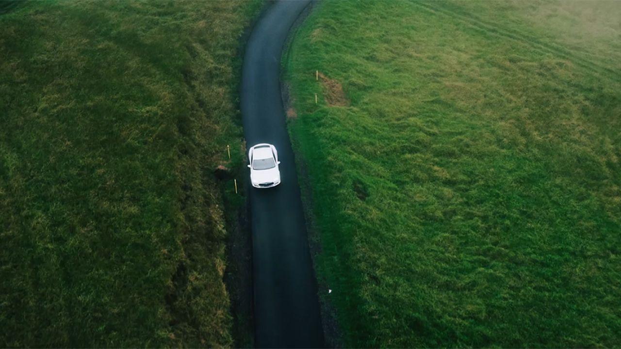 Auto : l'électrique accélère