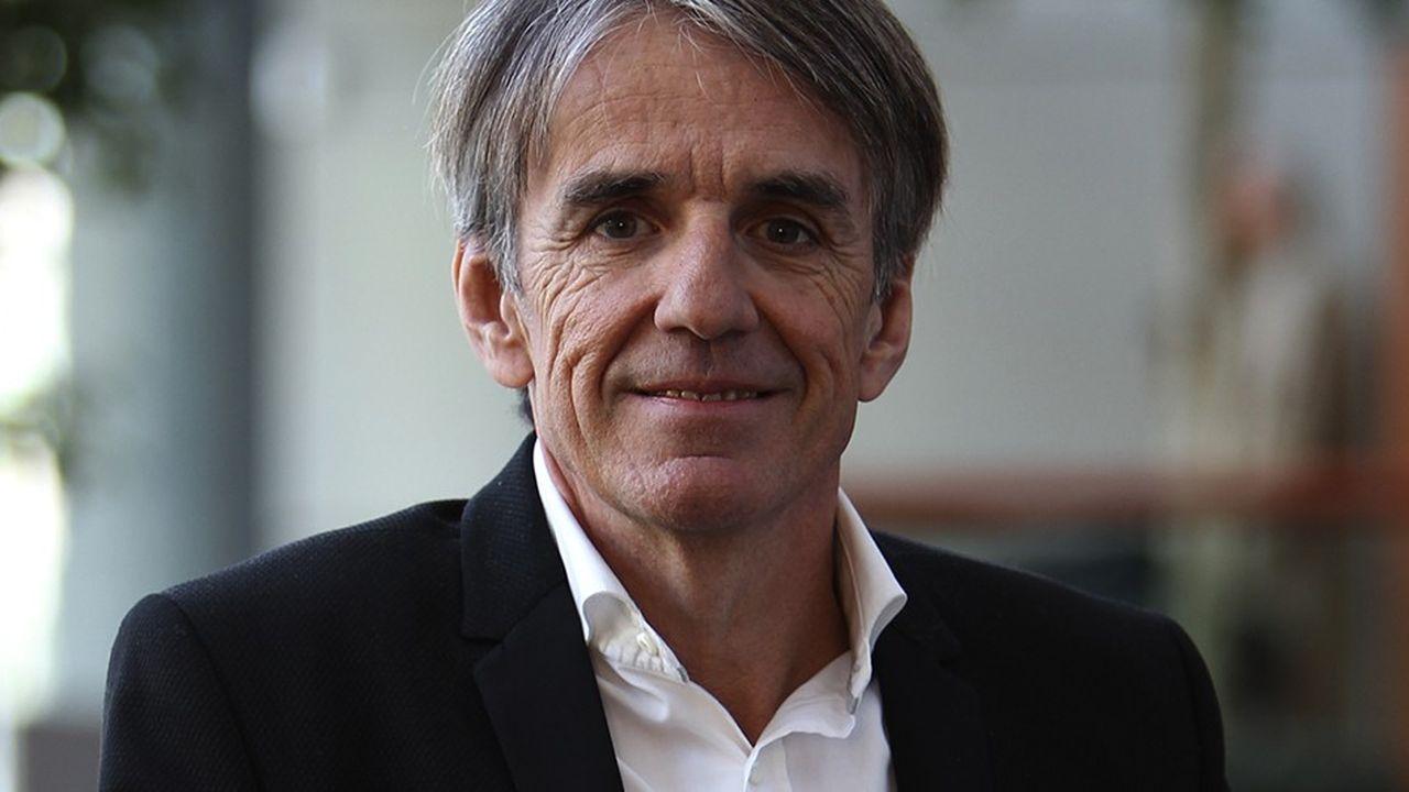 Le grossiste en assurance April fondé il y a trente ans par Bruno Rousset a confirmé avoir reçu des marques d'intérêts.