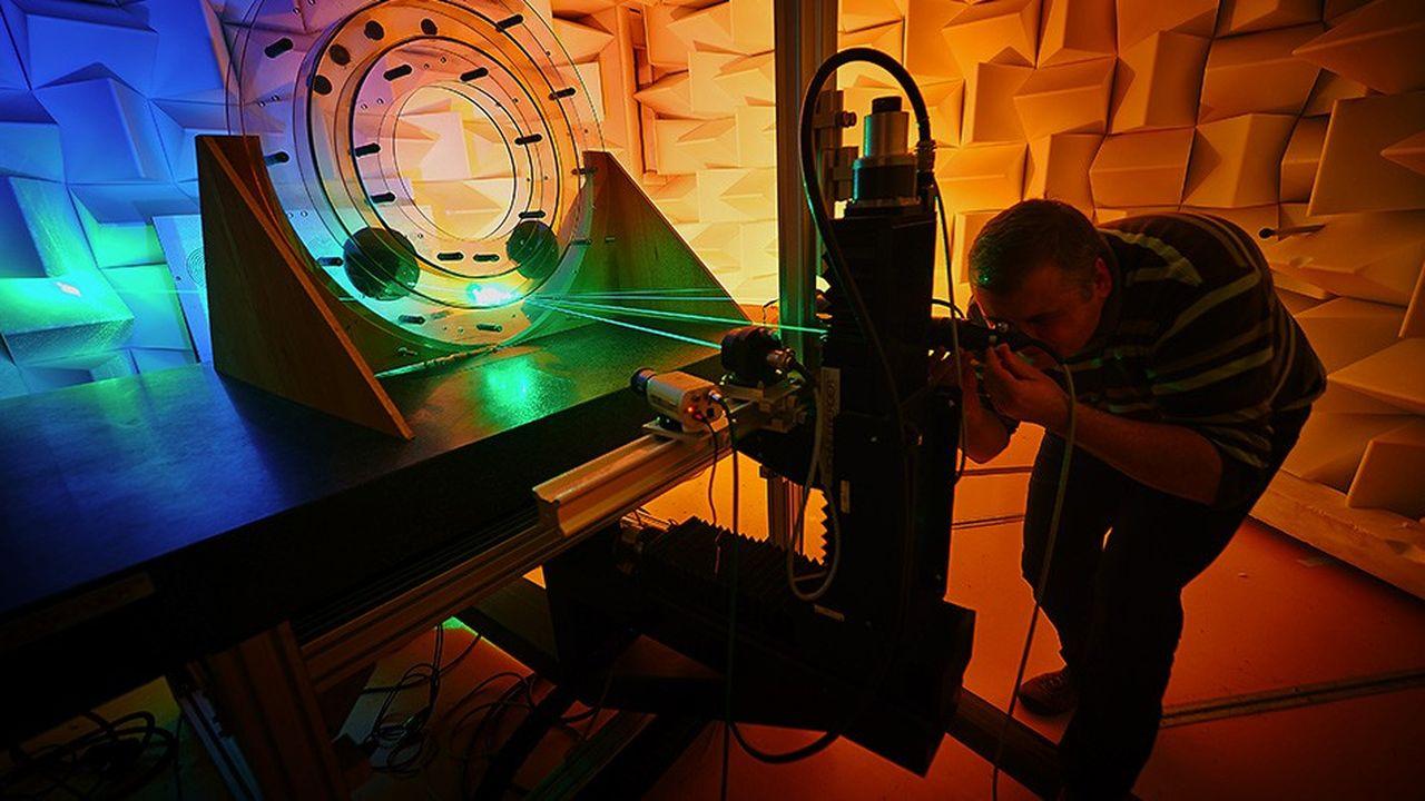 Les travaux du Laboratoire d'acoustique de l'université du Maine (Laum) portent notamment sur la propagation des ondes dans les fluides (au repos ou en écoulement) et dans les solides (matériaux poreux, granulaires ou composites, structures vibrantes).