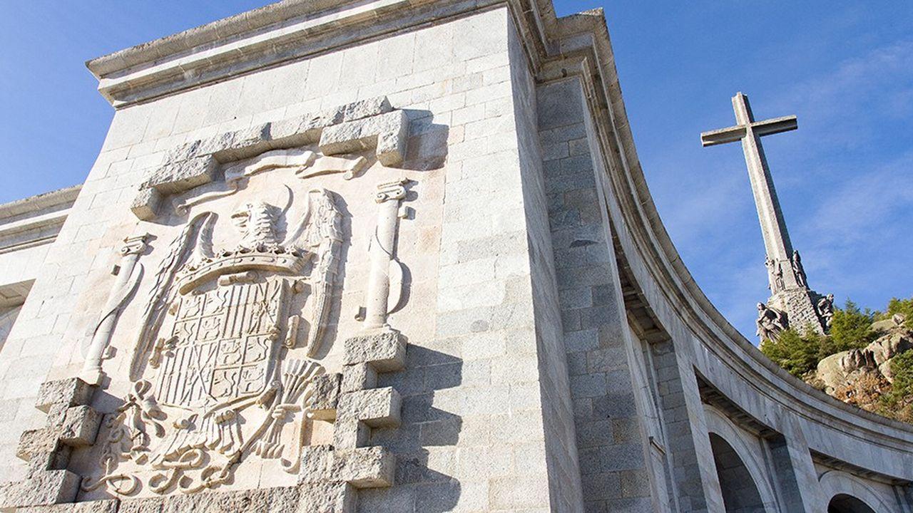 Chaque année, 400.000 personnes viennent visiter «El valle de los caidos», où Franco est enterré.