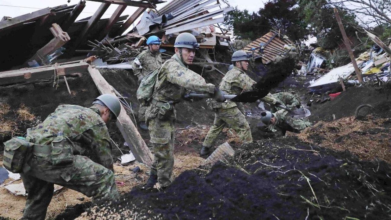 Plus de 20.000 hommes sont mobilisés pour participer aux opérations et venir en aide aux sinistrés.
