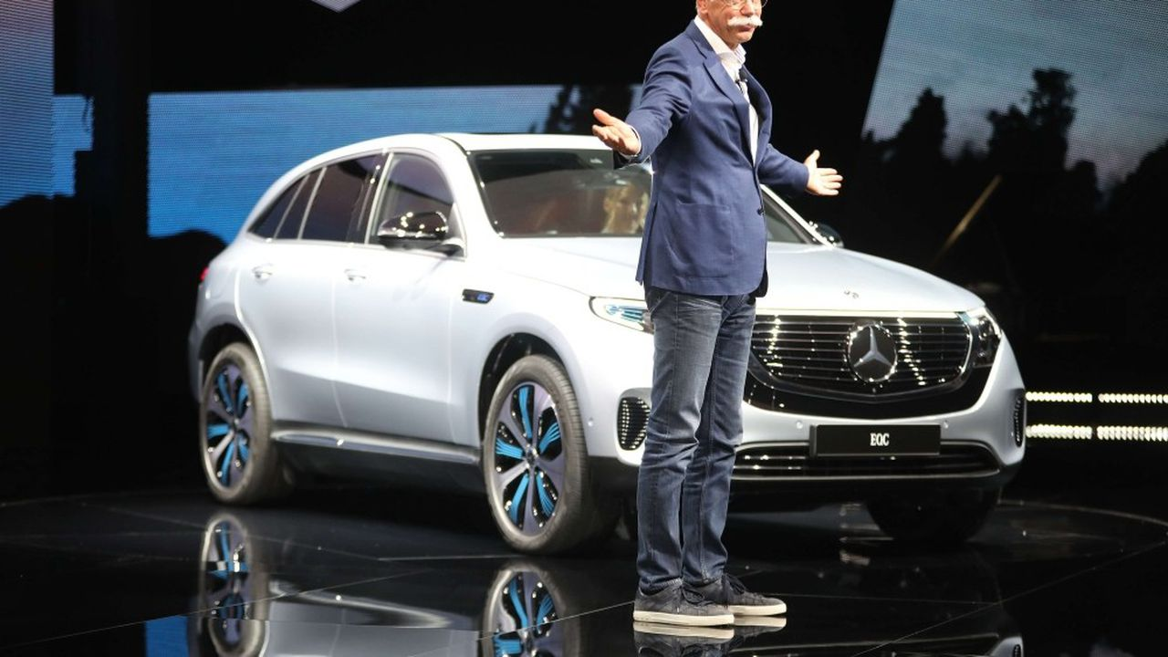 Dieter Zetsche va démissionner de la présidence du directoire du groupe et de la tête de la division automobile Mercedes-Benz à l'issue de l'assemblée générale des actionnaires l'an prochain.