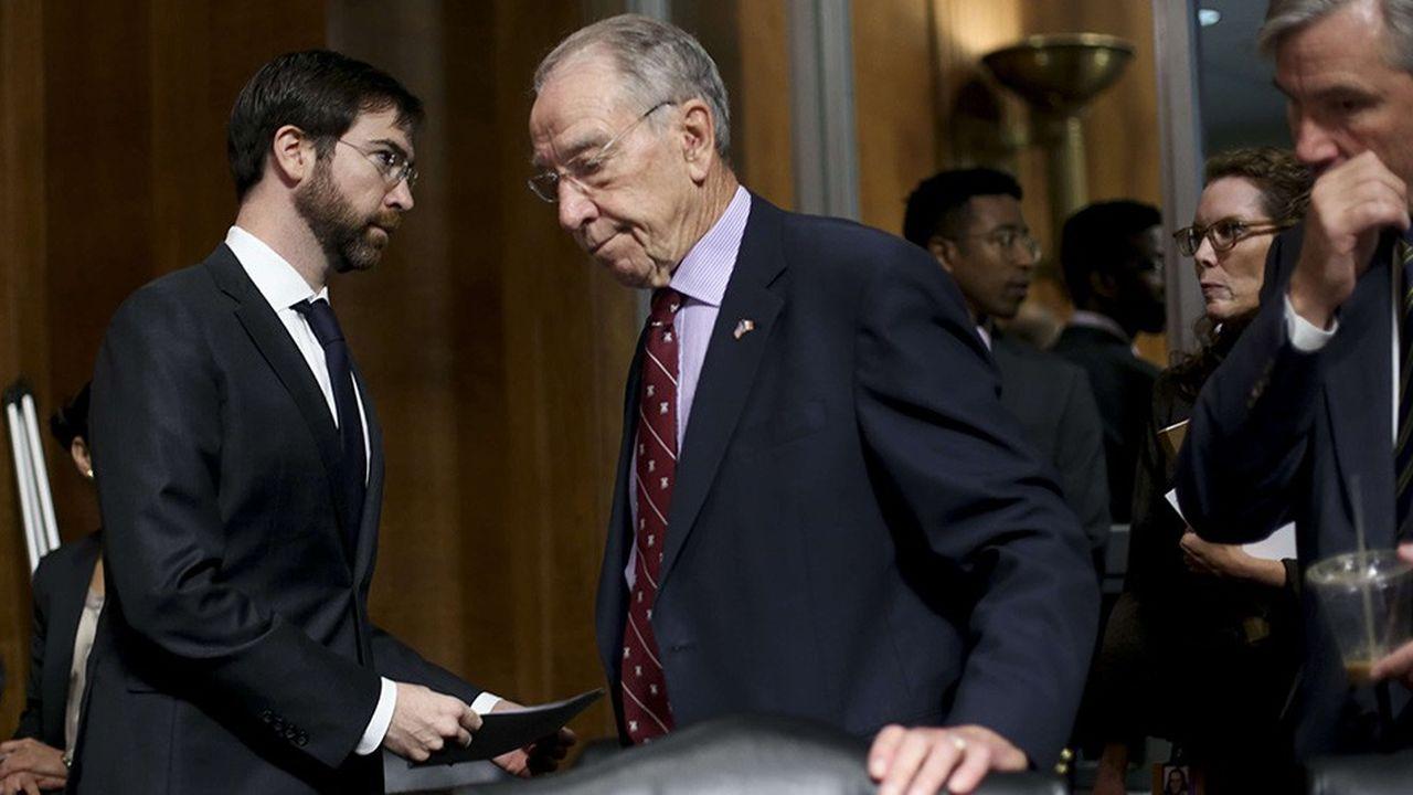 Le président de la commission des affaires judiciaires du Sénat, Chuck Grassley, lors du vote houleux vendredi sur la nomination de Brett Kavanaugh à la Cour Suprême.