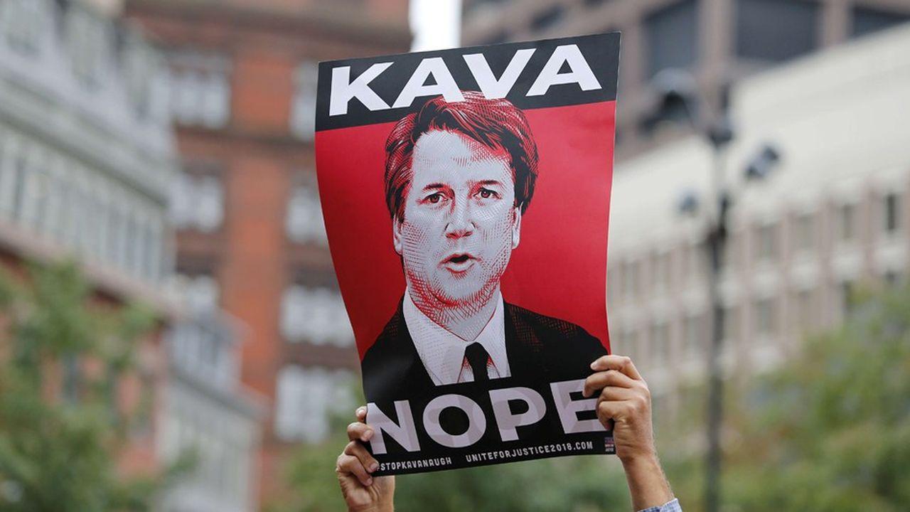 «Brett Kavanaugh a montré qu'il manquait des qualités nécessaires à un juge» lors de son audition, estiment notamment les professeurs de droit (photo: lors d'une manifestation le 1eroctobre)