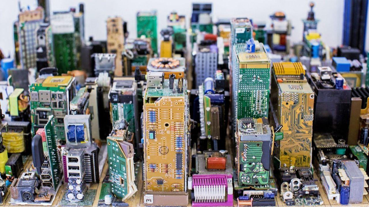 Si les produits de grande consommation échappent aux taxes, ce n'est pas le cas d'un grand nombre de composants -des métaux aux circuits imprimés en passant par les câbles d'alimentation.