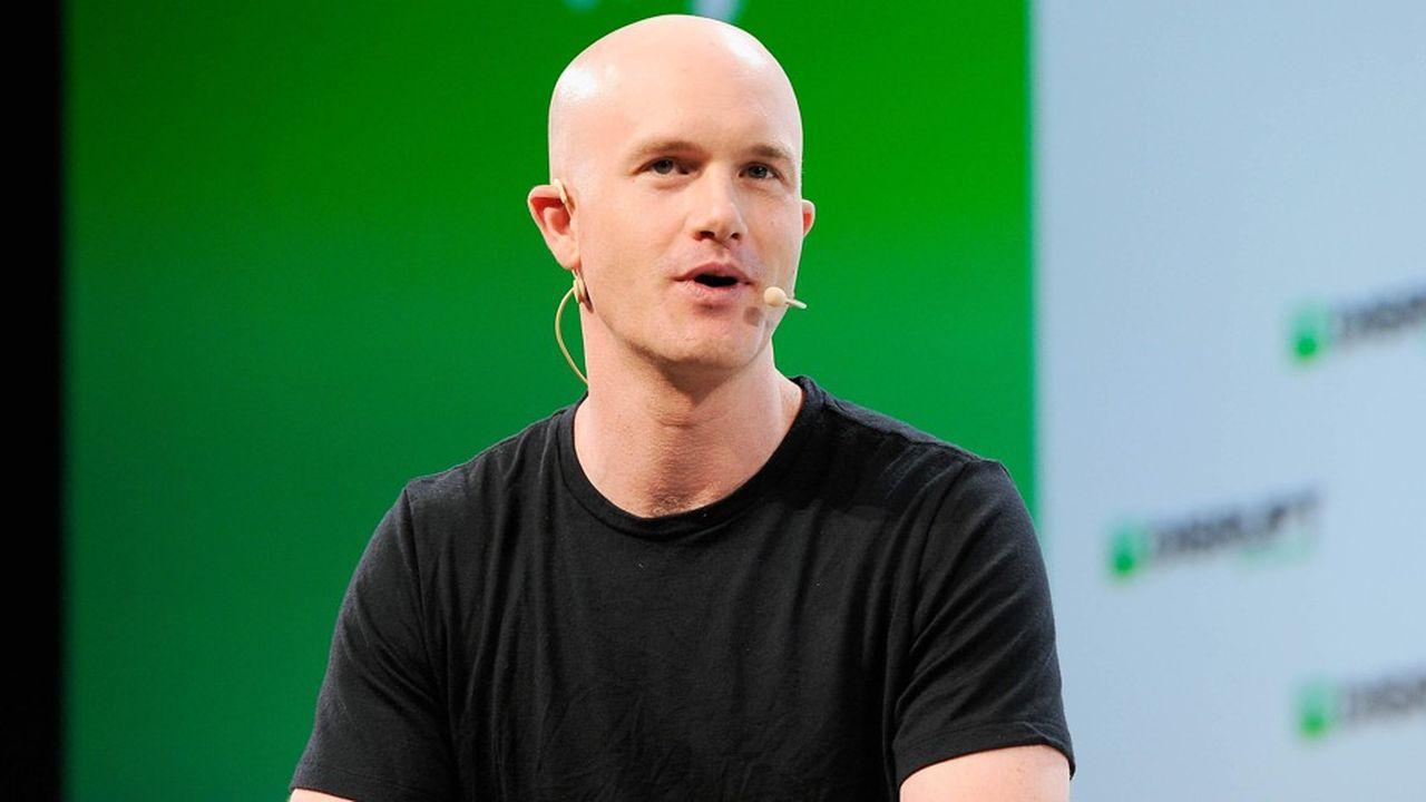 Brian Armstrong, le patron de Coinbase, travaillerait bien sur un projet de cotation en Bourse