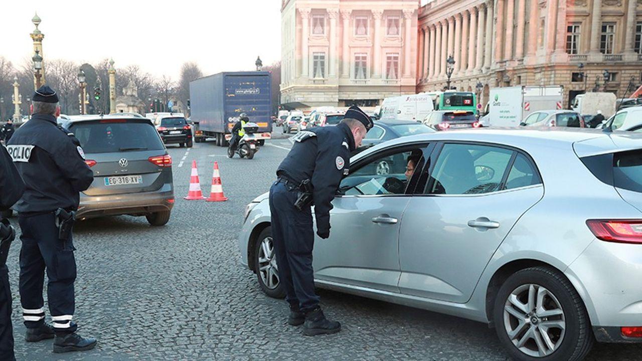 La métropole du Grand Paris a voté l'interdiction de circulation des véhicules les plus polluants dès juillet2019 à l'intérieur de l'A86 en Ile-de-France.Des restrictions de circulation déjà imposées à Paris.