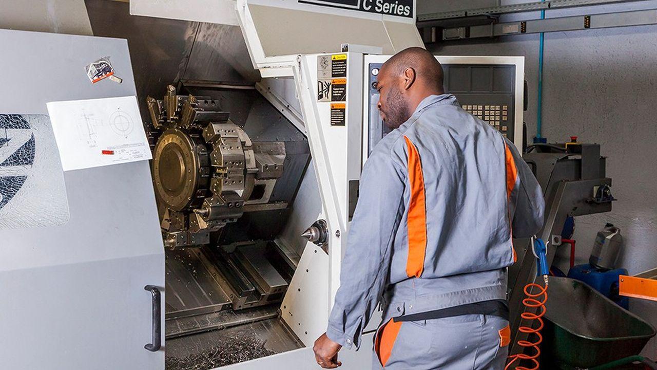 Le groupe GLXest constitué de quatre entités complémentaires d'usinage en mécanique de précision, micromécanique et mécanique générale.