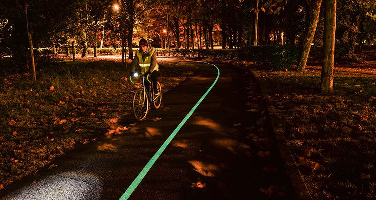 Eiffage Teste La Route Luminescente Les Echos