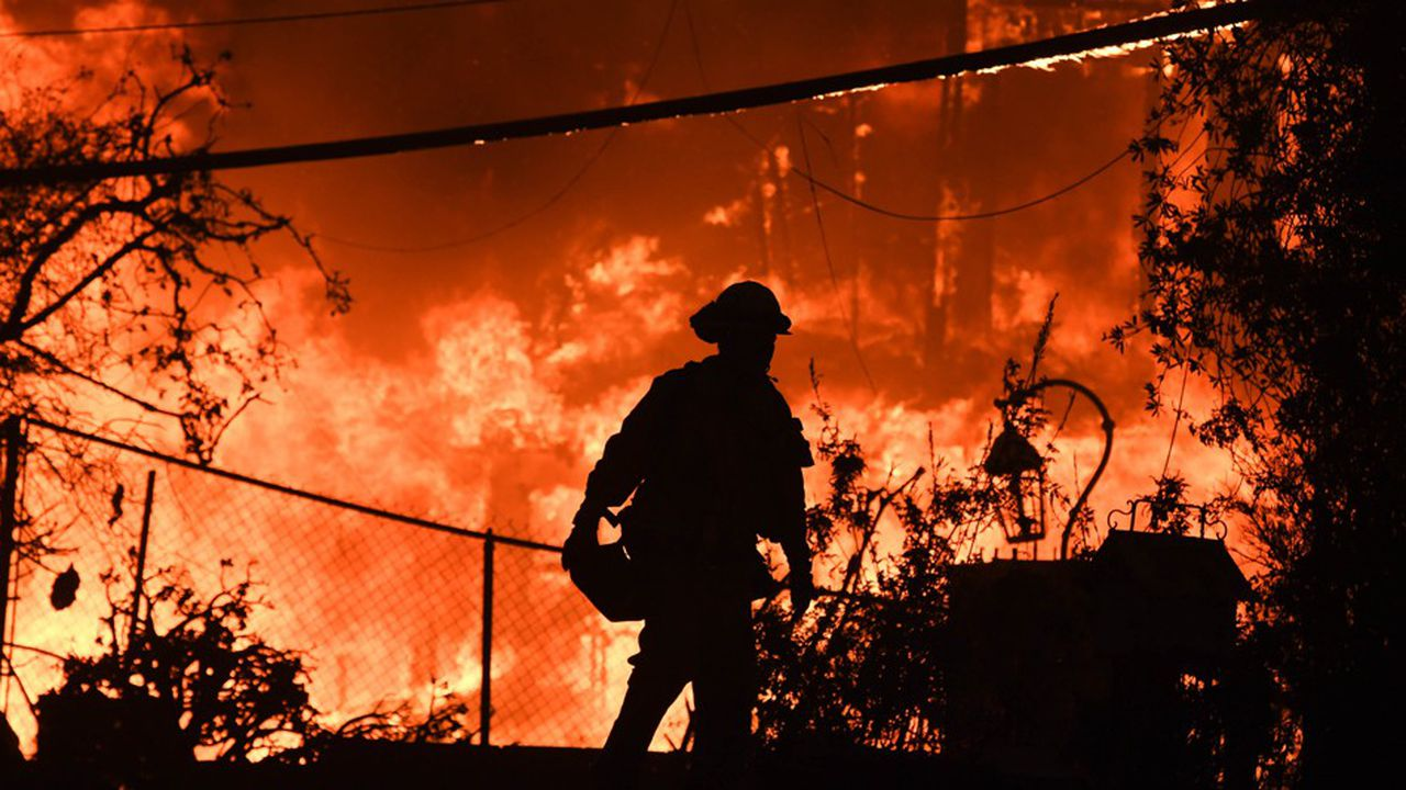 Le «Camp Fire» n'est contenu qu'à 25%, en raison de vents forts qui ont soufflé lundi sur la région