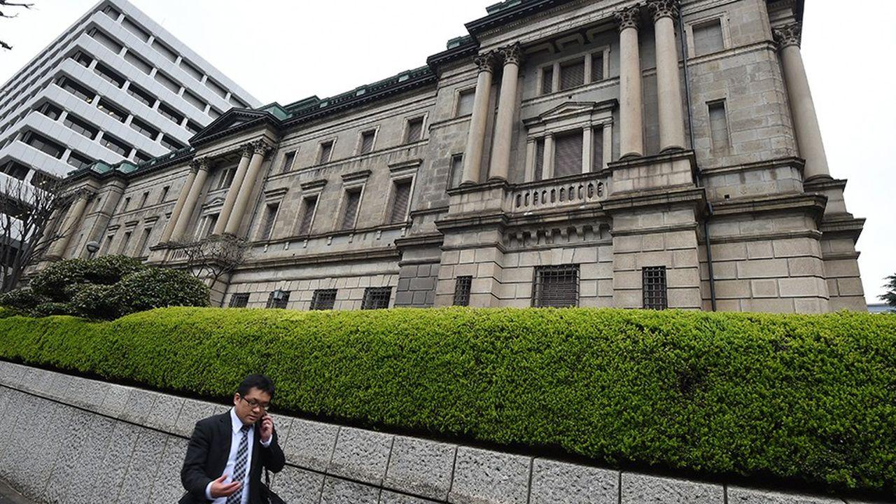 Depuis 2012 et l'arrivée de Shinzo Abe à la tête du gouvernement, la BoJ n'a pas ménagé ses efforts pour faire remonter l'inflation à 2%.
