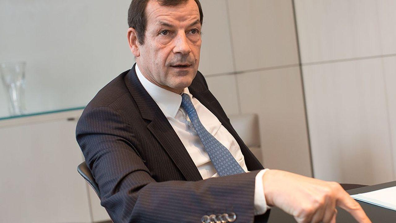 Dans un avis en date du 30 octobre, le Haut Comité de gouvernement d'entreprise, qui avait été saisi par SCOR, a estimé que Thierry Derez « se devrait de renoncer à son mandat ».