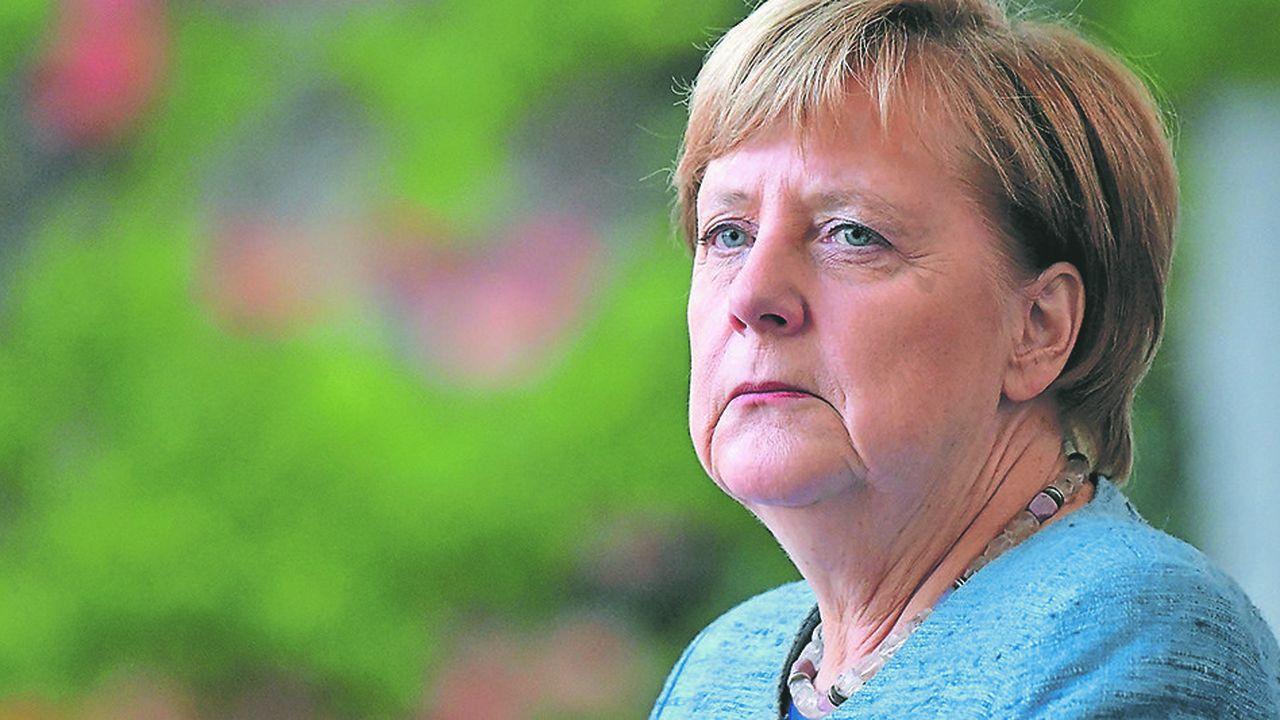 En donnant elle-même le coup d'envoi à sa succession, Angela Merkel fait la preuve de son pragmatisme et de son flair politique légendaires. Elle reprend la main sur le cours de sa succession, mais pour combien de temps encore?