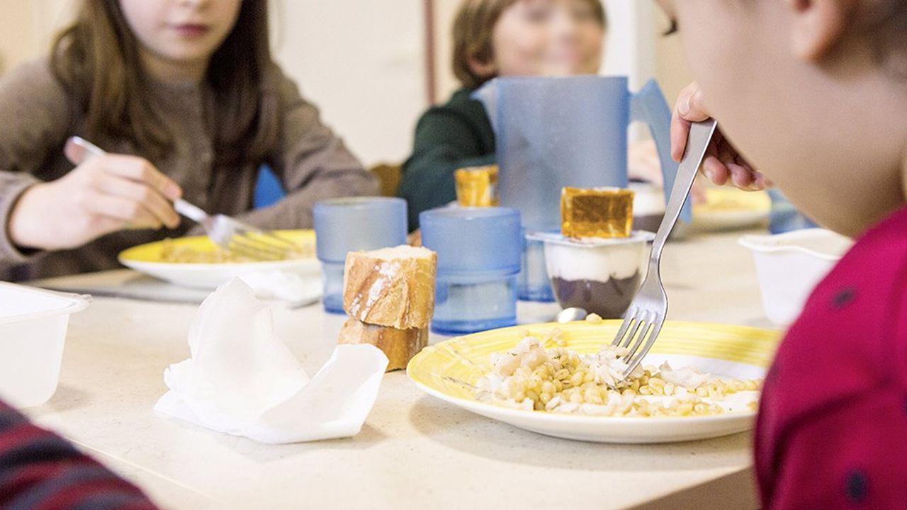 Paris vient de signeravec les caisses des écoles des 9e, 10e et 11e arrondissements une charte qui l'engage sur deux ans sur la question du gaspillage alimentaire.