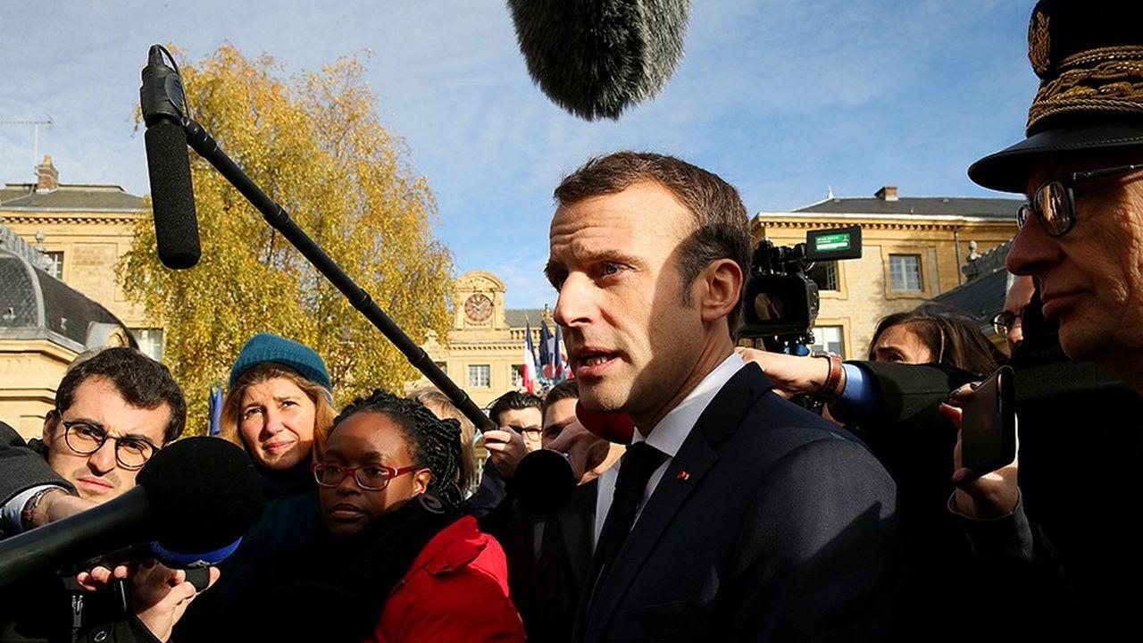 Avec son itinérance mémorielle la semaine dernière dans le Nord et l'Est de la France, Emmanuel Macron a multiplié les interventions médiatiques