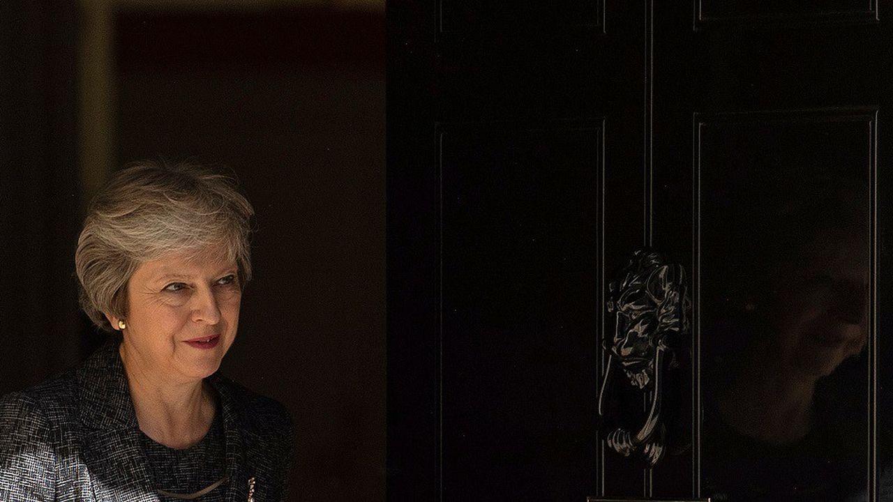 La Première ministre Theresa May a convoqué les membres de son gouvernement ce mercredi après-midi pour présenter les détails de l'accord conclu mardi avec les négociateurs européens