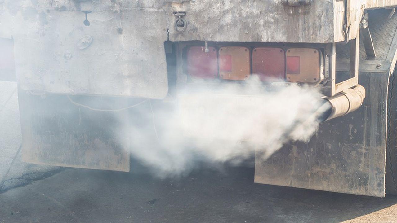 Les eurodéputés ont adopté à une large majorité des objectifs de réduction des émissions de CO2 des camions.