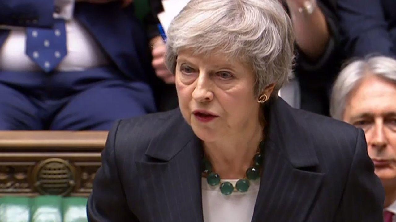 Méthodiquement, Theresa May a paré les coups, ce jeudi matin à la Chambre des Communes.