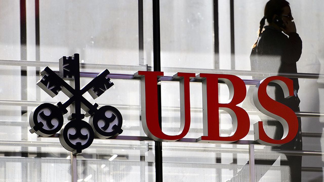 Le Parquet national financier (PNF) a requis 3,7milliards d'euros contre UBS AG pour démarchage bancaire illicite et blanchiment de fraude fiscale.