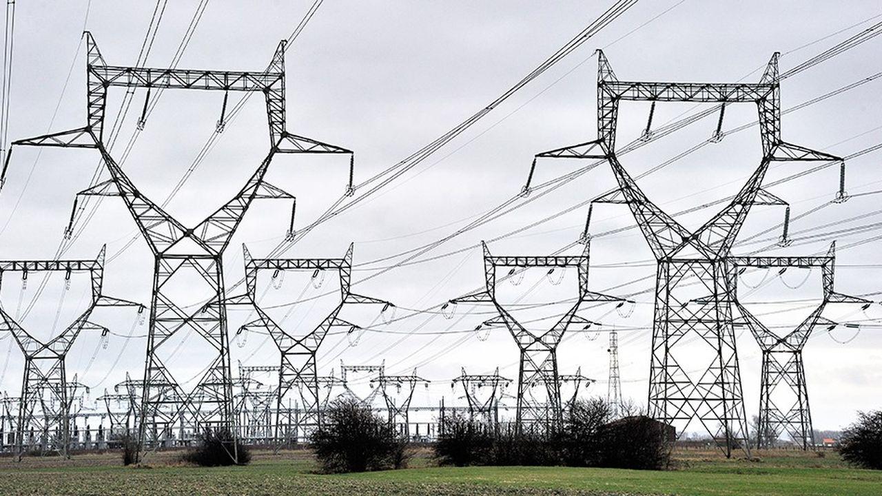 «A partir de 2020, on commence à avoir des marges, dès lors qu'on a un développement des énergies renouvelables, la mise en service de Flamanville, des interconnexions et des effacements de consommation», a résumé Olivier Grabette, de RTE.