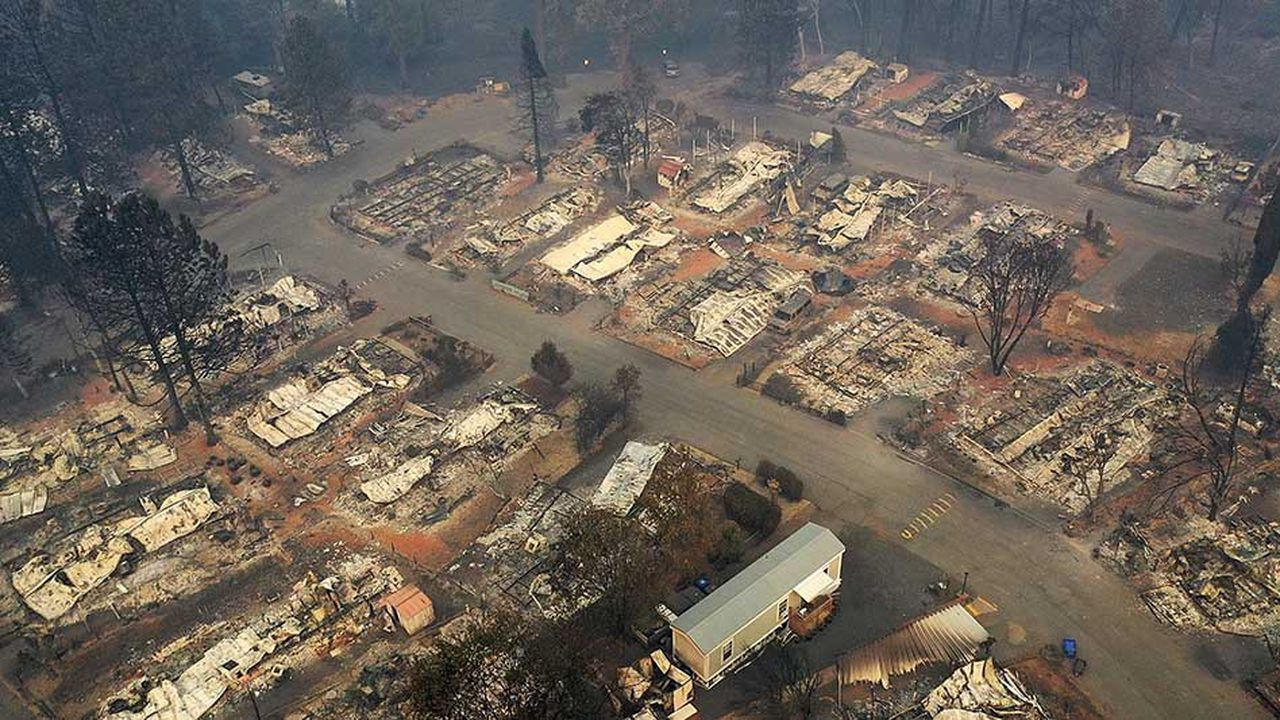 Le brasier a détruit plus de 57.000 hectares et 12.000 bâtiments depuis une semaine