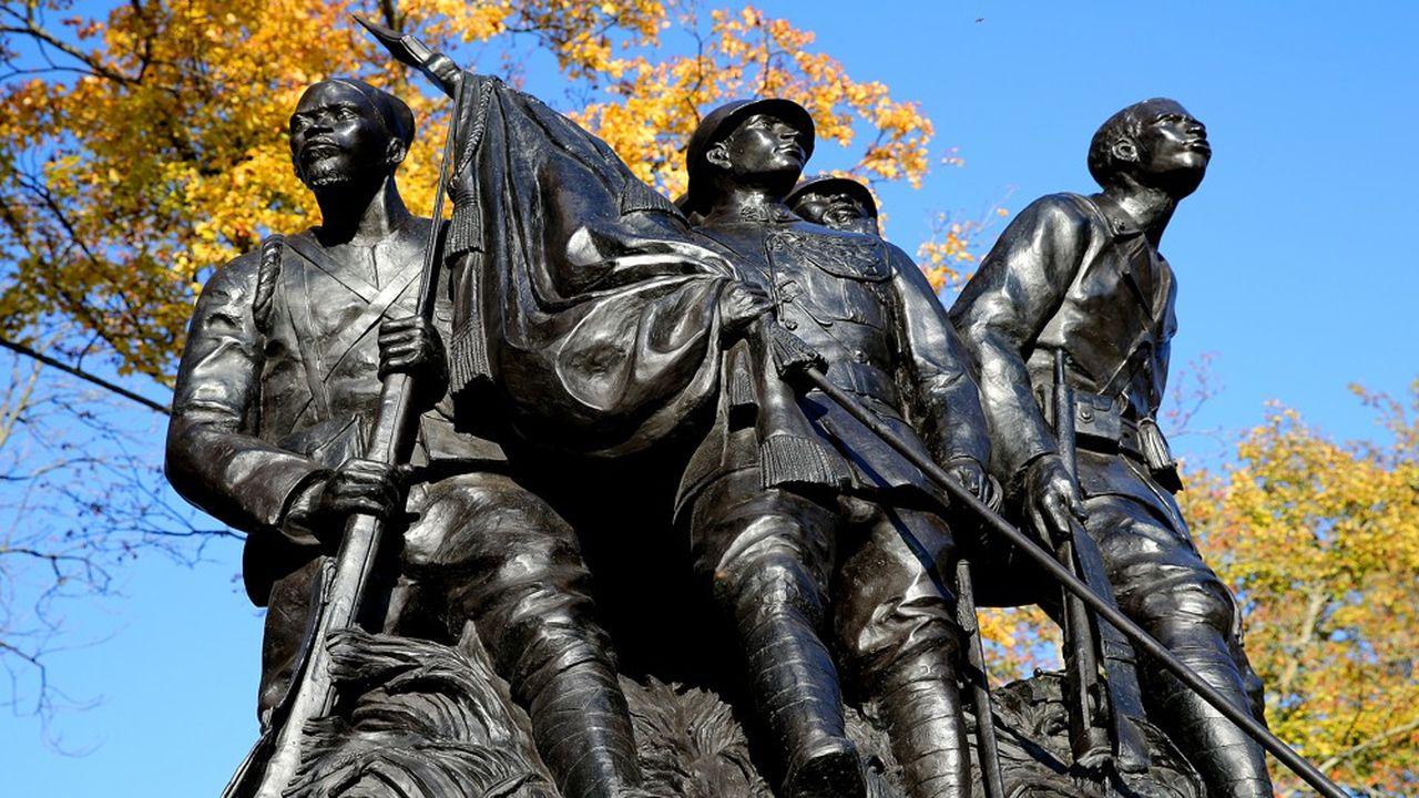 Erigé en 1924, le monument a été détruit en 1940 et reproduit en 2013.