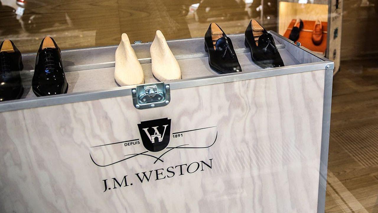 La nouvelle boutique Weston est aménagée comme une maison avec plusieurs salons.