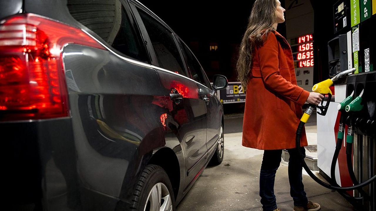 Le poids des taxes devrait permettre un rattrapage du prix du gazole par rapport à celui de l'essence en 2020.