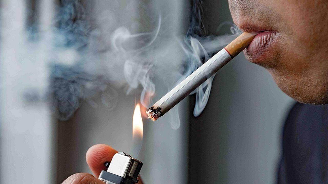 En Europe, les cigarettes au mentholseront interdites à partir de 2020. Mais pas avant, en raison de l'opposition de certains Etats, comme la Pologne, où elles représentent 40% des cigarettes fumées.