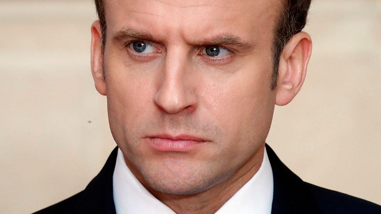 La popularité d'Emmanuel Macron a particulièrement reculé chezles commerçants, les artisans, les chefs d'entreprise et les ouvriers.