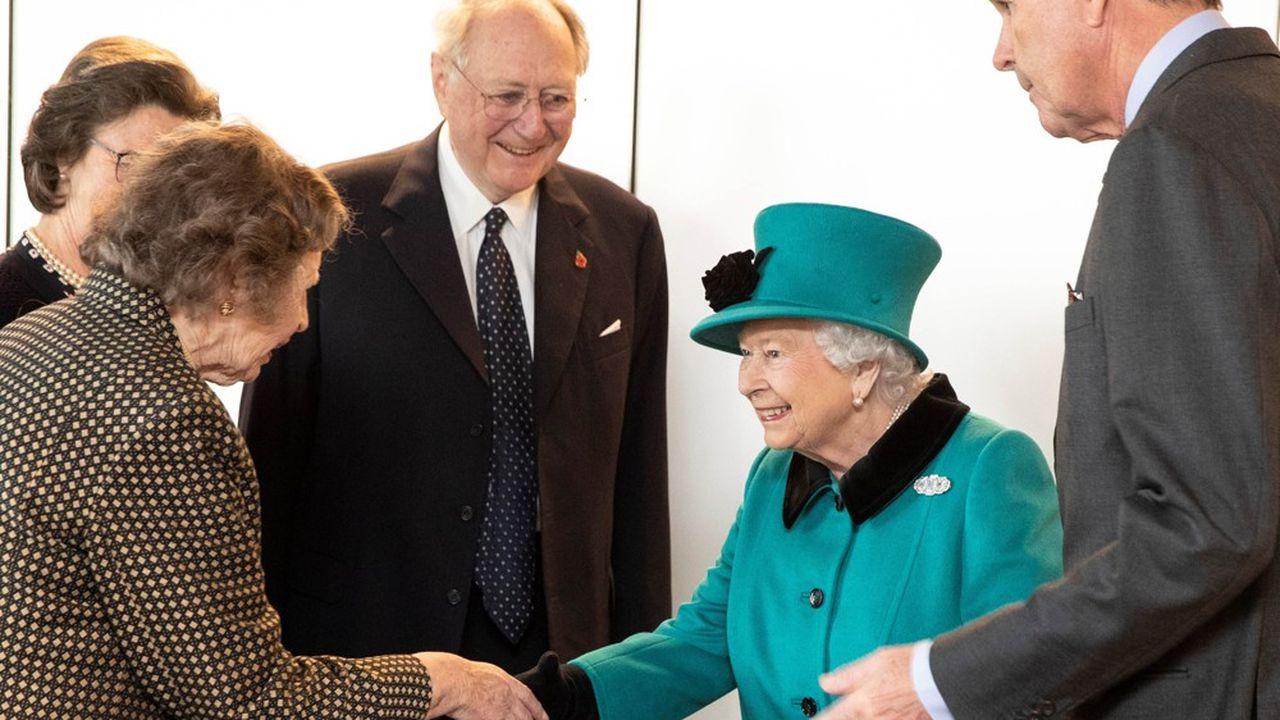 La reine Elisabeth a inauguré les nouveaux locaux de Schroders à Londres le 7novembre dernier.