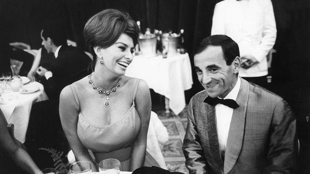 PANO-Loren-Aznavour_1961_SIPA.jpg