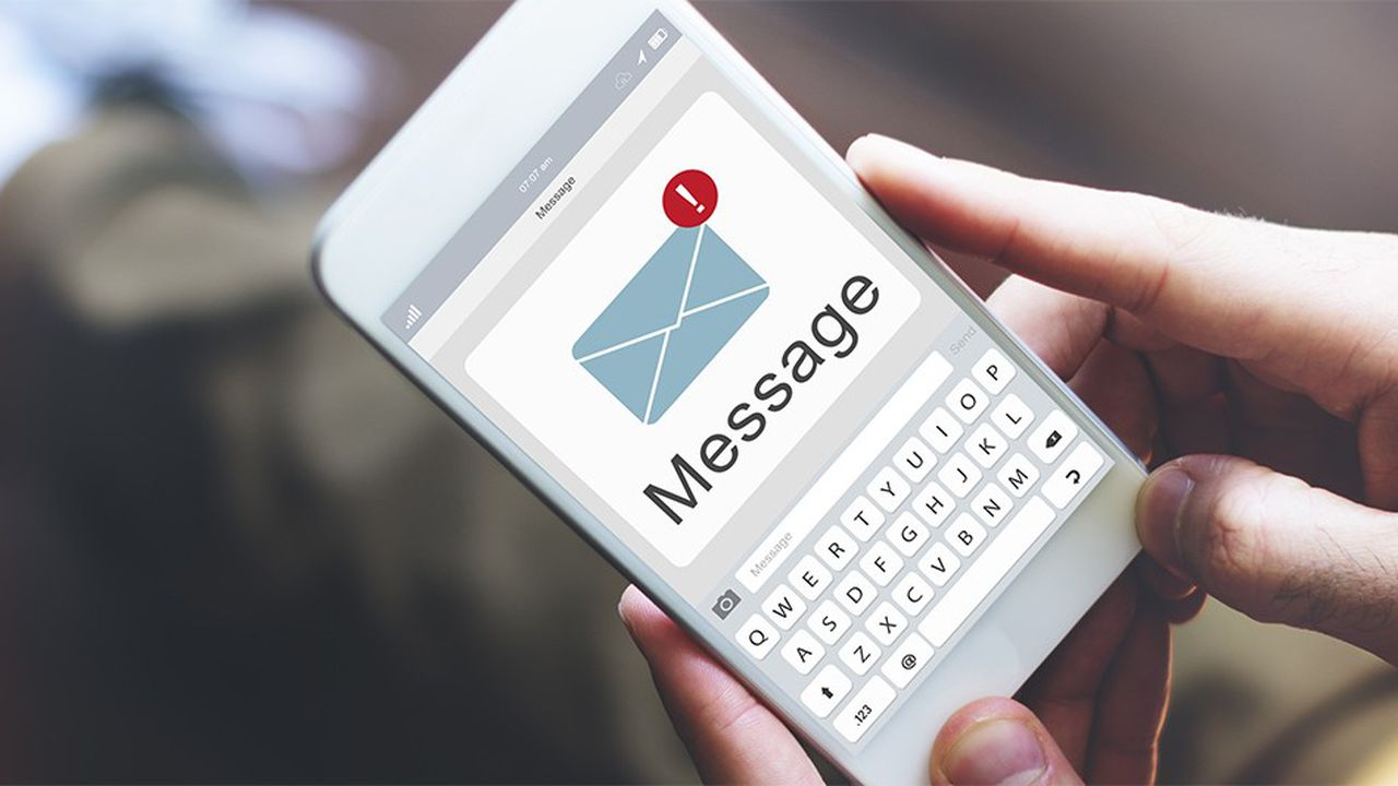 2143345_comment-le-sms-est-devenu-un-outil-de-business-web-tete-0301116496009.jpg