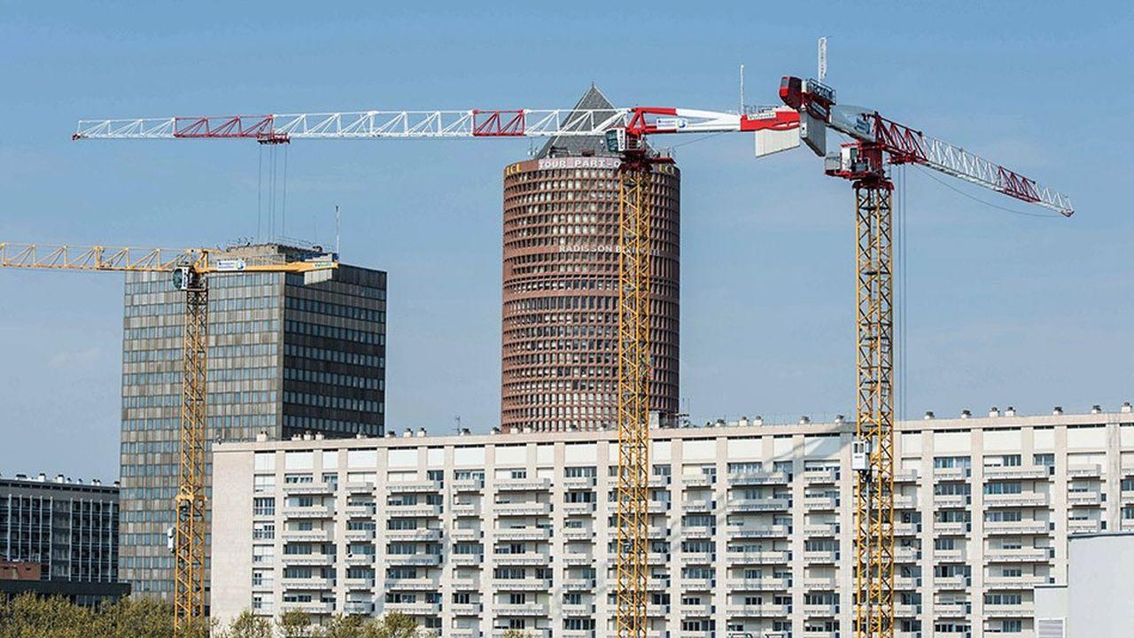 Tour du Credit Lyonnais, 'le crayon', et grues de chantier, btp.