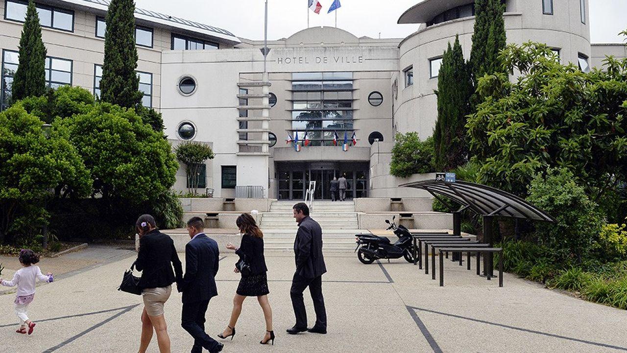 mairie d'Argenteuil. AFP PHOTO / MIGUEL MEDINA / AFP PHOTO / MIGUEL MEDINA